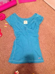 WOMENS Med Hollister Tee
