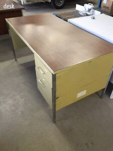 "60"" metal desk  Kitchener / Waterloo Kitchener Area image 1"