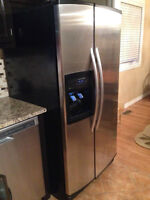 Stainless Steel Kitchen Aid fridge 33 inch/pouces