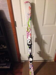 Girls downhill skis