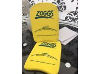 Two zoggs floats