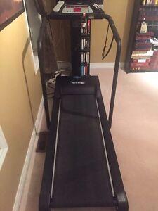 FREE SPIRIT Treadmill
