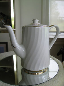 5 GORGEOUS OLD VINTAGE MADE-in-ENGLAND CHINA TEA POTS