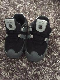 Boys Nike shox trainers