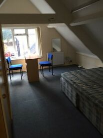 NEW 1 BED FLAT INCLUDING ALL BILLS, LONDON ROAD FURNISHED £550 pcm