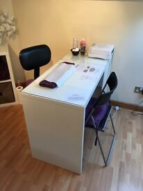 Hair dresser chair to rent & nail technician desk to rent !! 💅🏻💇🏼