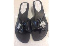 VAN DAL SIZE 7 Sandals