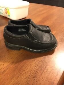 Toddle boys shoes