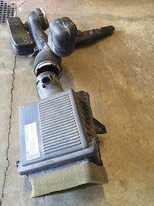 Air intake for 2013 GMC Sierra 6.2 litre Strathcona County Edmonton Area image 4