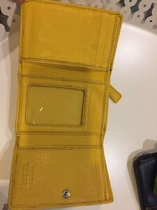 Leather Danier Wallet $20 Kingston Kingston Area image 2
