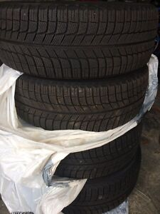 225 55 R17 Michelin  x-ice winter tires, rims and sensors (gm).