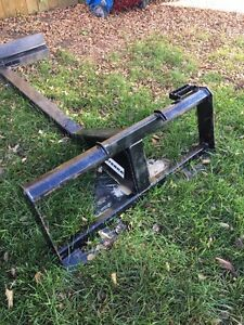 Skid Steer Telescopic Grading Attachment Regina Regina Area image 1