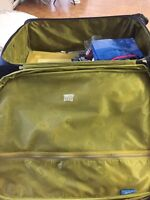 28 inch travel luggage bag with locking system