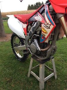 2012 CRF 250 Honda Dirtbike London Ontario image 3