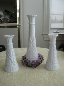 GORGEOUS VINTAGE ARRANGEMENT / TRIO of OLD MILK GLASS VASES