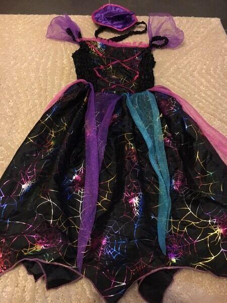 Girls Halloween Costume size 9-10 years