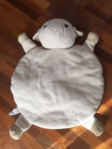 Snug Rug sheep from Cloud B Kitchener / Waterloo Kitchener Area image 1