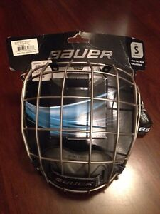 Bauer small new chrome cage London Ontario image 1
