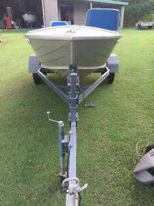 Quintrex Dart 3.75m tinny 20hp outboard. Gordonvale Cairns City Preview