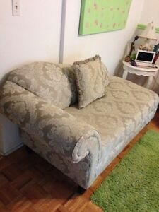 Beautiful Lounger-Price is FIRM