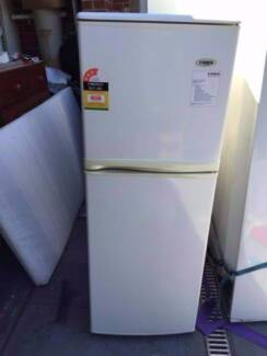 3.5 star great working 210 liter conia fridge , can delivery at e
