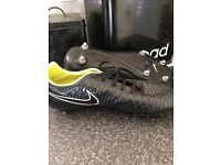 size 10 nike football boots
