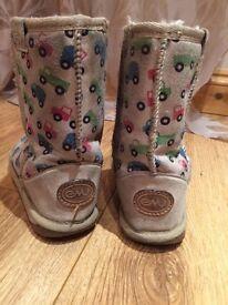 Emu shoes