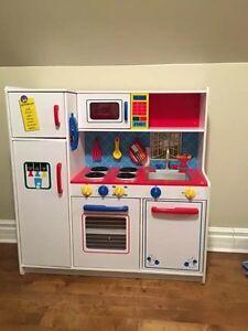 Kidkraft Play kitchen. New!