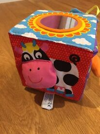 Baby soft play cube