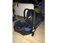 Silvercross simplicity car seat with ISO fix base