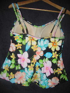 MIRACLESUIT Multi Colored Floral Bathing Suit Tank Top Strathcona County Edmonton Area image 2