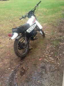 Yamaha mx100 as is $350 or trades??