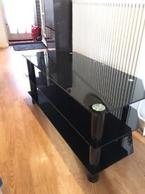 Tv table in very good condition