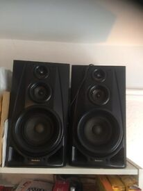 Technics hi-fi speakers