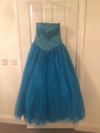 Stunning Prom Dress - Size XXS