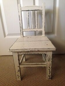REDUCED*** ANTIQUE RUSTIC MINI CHAIR London Ontario image 1