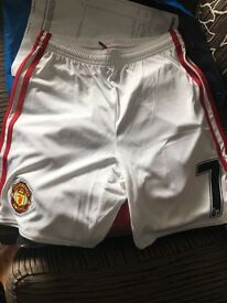 Man Utd Kids Home Shorts with Number 7