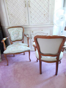 Set of 2 Victorian style chairs West Island Greater Montréal image 3