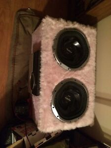 Two 12 in subs and box and 800 watt amp  Peterborough Peterborough Area image 1