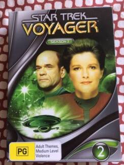 Star Trek voyager season 2 DVD set