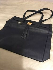 Brand new navy purse/bag for sale 20$