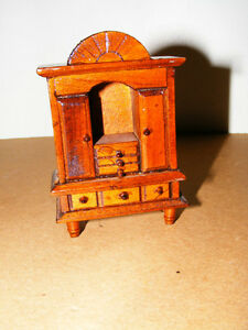 Wooden Doll Furinture - Linning Hutch