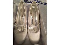White Saturn weddings shoes