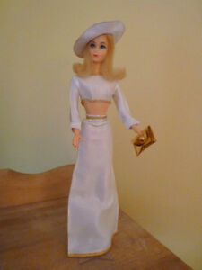 Barbie Vintage Rare Casual White & Gold outfit