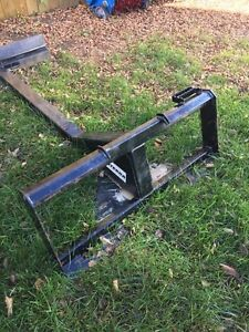 Skid Steer Telescopic Grading Attachment Regina Regina Area image 2