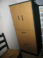 Locking 2 drawer file cabinet with upper cupboard unit