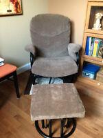 chaise sur billes et pouf