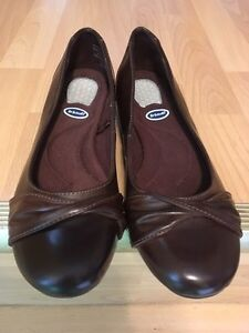 Brand New Willa Dr. Scholl's women casual shoes size 6 1/2 W