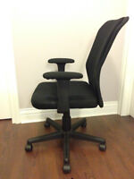 Mesh office chair (perfect and clean condition)