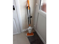 beldrey steam mop with alot of extras plus 2 new microfiber pads
